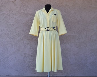 Yellow Dress with Pockets | Black and Yellow Belt | 1970s |