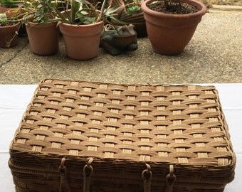 Vintage Hand-Woven Wicker Picnic Basket w/Matching Lid