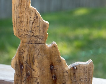 """Reclaimed Pallet Wood """"IDAHOME"""" sign"""