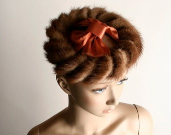 Vintage 1950s Mink Fur Open Top Pillbox Hat - Large Peach Satin Bow