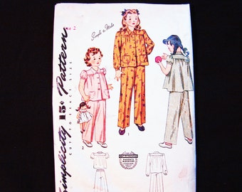 1940s Girls Pajama Pattern Toddler size 2 Pjs Short or Long Sleeve Vintage Pattern for Girls Old Sewing Pattern Simplicity simple to sew