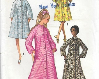 Simplicity 9074 1970s Asian Inspired Robe and Housecoat Vintage Sewing Pattern Bust 32 Frog Closure Cheongsam