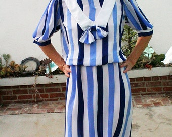 Vintage sheer white and blue stripped sailor dress//women's medium//bow collar//long sleeved//1980//1950
