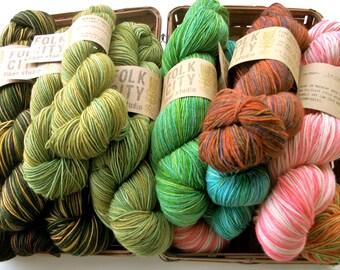 Superwash Merino Wool Yarn - Sock Yarn - Hand Dyed Yarn - Gradient Yarn - Knitting Yarn - Fingering Weight Yarn - 430 yards