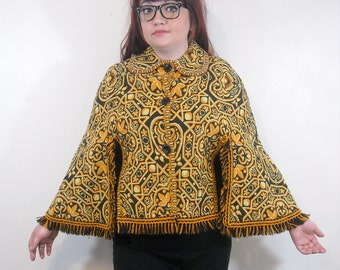 Vintage Tapestry Poncho // 1960s Fringe Boho Cape // Button Front Capelet // Peter Pan Collar // Fall Fashion One Size