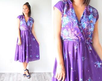 Vintage 1950's purple floral short sleeve summer spring dress // bohemian modest dress // floral garden dress // purple fall summer dress