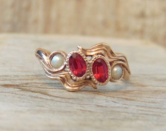 Antique Ruby and Pearl 10K Ring, Ruby Colour Stones, Yellow Gold, Wedding, Anniversary, Engagement