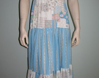VINTAGE 1970s blue white floral prairie boho long dress with ruched top