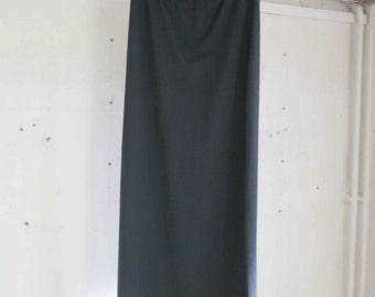 90 Vintage stretch long black skirt