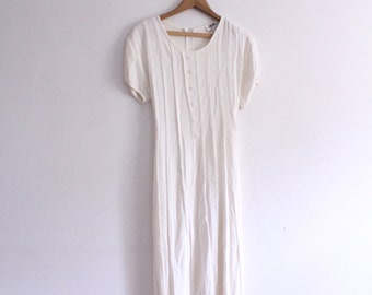 Minimal White 90s Maxi Dress