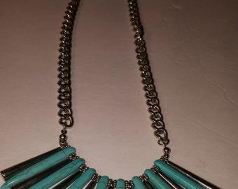 Vintage Boho Southwestern Turquoise and Silver Neckalace