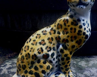 Leopard sculpture in Porcelain  Majolica hand-painted