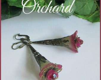 ORCHARD Lucite Trumpet Flower Earrings, Victorian Earrings, Long Filigree Earrings. Pink, Green, Czech, Antique Brass, Handmade, Ravengirl