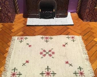 Vintage handmade petit point needlepoint dollhouse miniature rug carpet