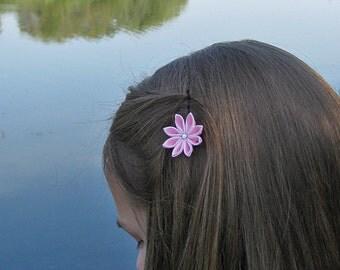 Kanzashi fabric flowers. Set of 2 small flower bobby pins. Girls hair pins. Pink