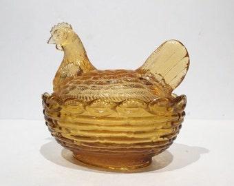 Amber Glass Hen on Basket, Hen on Nest Dish, Vintage Hen on Nest Covered Dish in Amber, Small Glass Butter Dish Butter Keeper, Trinket Dish