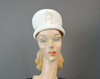 Vintage 1960s Tall White Creped Fabric Hat, 21 inch head, Vintage 60s White Hat
