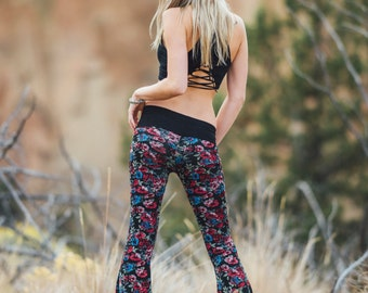 FLORAL PRINT SWEATER knit crochet fall fashion hippie dance yoga festival  gypsy flare bell bottom pants (or leggings)