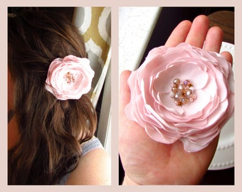 Light Pink Blush Wedding Hair Flower, Petal Blush Flower Hair Piece, Gold Pink Bridal Floral Brooch Pin, Large Pink Silk Flower Hair Clip