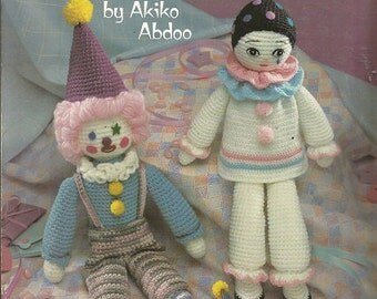 Vintage Pattern - TWO CROCHET CLOWNS - Leaflet 1040 - Leisure Arts Craft Leaflet - by Akiko Abdoo - Clown Jo Jo - Pierrot P.J. - c. 1985