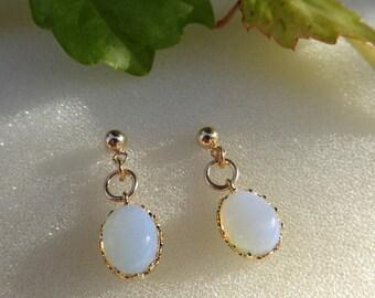 Opal glass earrings in 585-er silver, very classy!