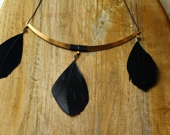 Whispers necklace, jet black.