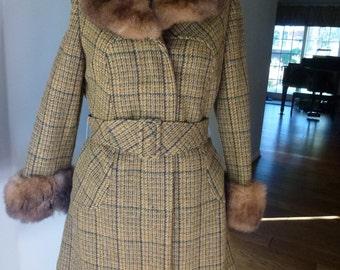 Vintage Womens  Herringbone Coat with Opossum Fur Trim
