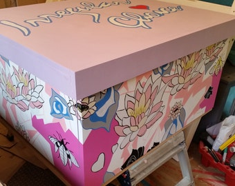 Irregular Choice XL shoe storage box, IC Shoe box, holds 16no pairs of shoes, hand-painted box, Irregular Choice patterns
