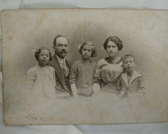 Vintage photography. Black and white. Ephemera.Collectible.1910s photography. España.Alviach.Vintage family photo. Famous photographer. Madrid.