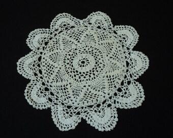 Vintage French hand crochet white cotton doily (02732)