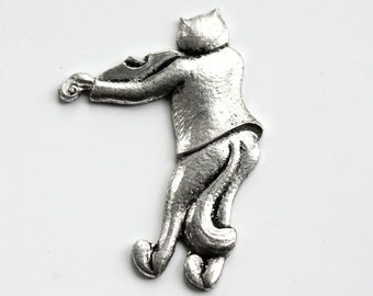 1pcs--Vintage, Cat Playing the Violin, Antique Silver, 33x21mm (B52-6)