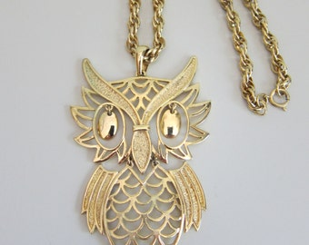 Vintage Owl Pendant Necklace Articulated Gold Tone