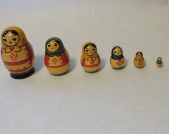 Set of 6 nesting dolls - Babushka - Matroyshka - Made in USSR