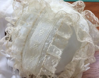 T-Lace Bonnet