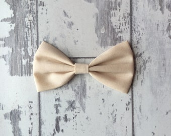 Cream cotton bow