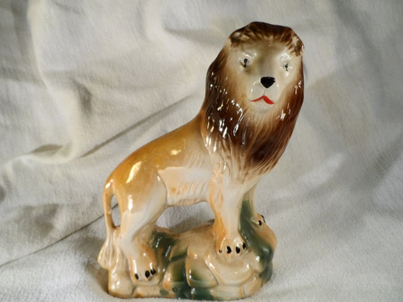 Lion Figurine-Ceramic-Lion sculpture-Lion statue-Lusterware-Pearlized- Lion Figurine made in Brazil