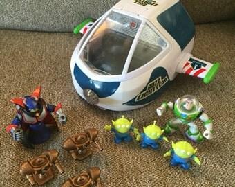 Vintage 1995 Disney Toy Story Buzz Lightyear Explorer Spaceship toy with 8 figures Zurg Aliens Robots Thinkways