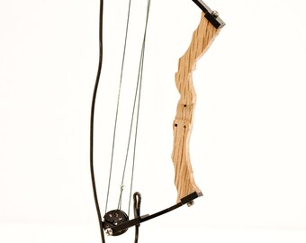 Fully functional tiny compound bow