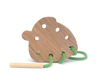 Wooden Acorn - Lacing Card - Toddler Gift - Kids Favors - Montessori Wood Toys - Birthday Present - Educational Toys - Fine Motor Skills