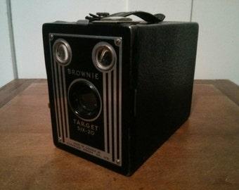 Vintage Kodak brownie six-20 camera