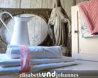 2 x old antique bedlinen+ 4 x pillowcase cottage chalet landhouse countrystyle bedroom