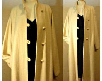 Women's vintage coat, long coat, wool coat, white coat, wedding coat, bridal coat, maxi coat, formal coat, dressy coat | Beau Brem | Union