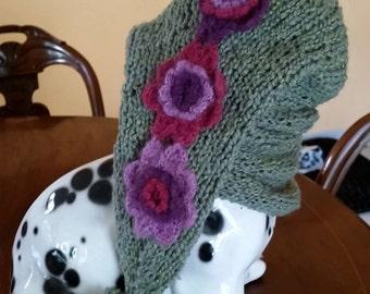Greyhound hat green wool