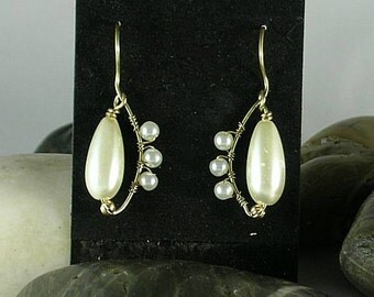 Wire wrap Teardrop Pearl Earrings - Italian Renaissance - Elizabethan