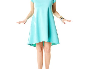 Trapezoid dress with longer back in mint