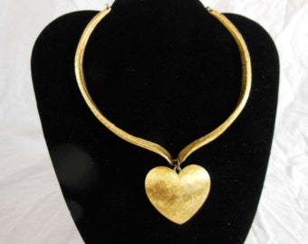 Vintage 1960s Heart-Shaped Necklace / Choker