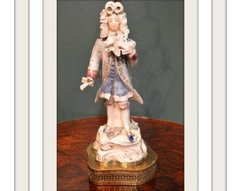 Antique/Vintage Renaissance Style Man Figure Lamp