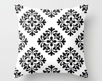 Throw Pillow - Decorative Pillow - Black and white damask Pillow - Decorative cushion  - Modern Pillow