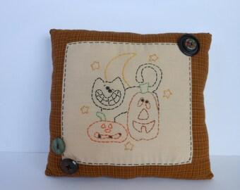 Halloween Pillow, Stitchery Pillow, Pumpkins Pillow, Decorative Pillow 2