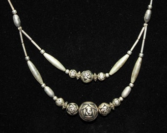 Vintage Liquid Silver Bead Necklace Double Strand With Roses 18 Inch T1*28